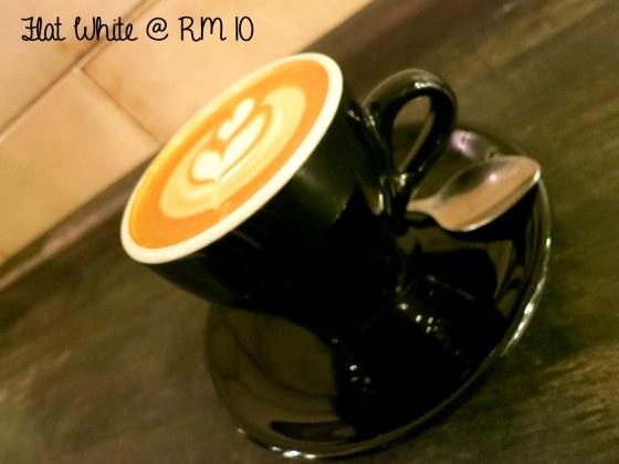 Flat White @RM 10