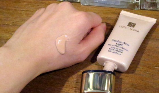 Estee Lauder Double Wear Light Foundation 2