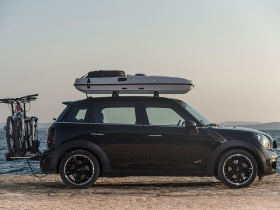 mini-countryman-all-4-camp-photo