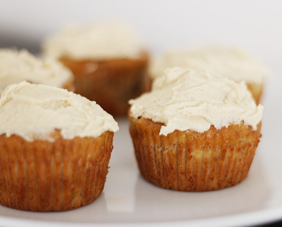 Recipe: Banana Cupcakes with Honey-Cinnamon Frosting ...