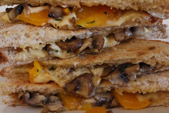 grilled-cheese-sandwich-with--mushroom-and-capsicum-3