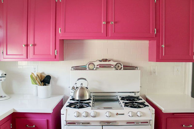 White and black look so classy } { Pink cabinets  Need I say more?}