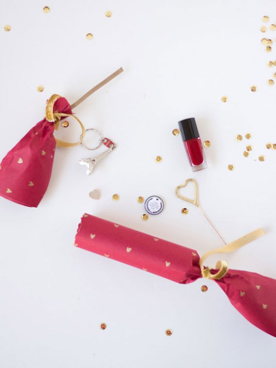 diy-valentine-crackers
