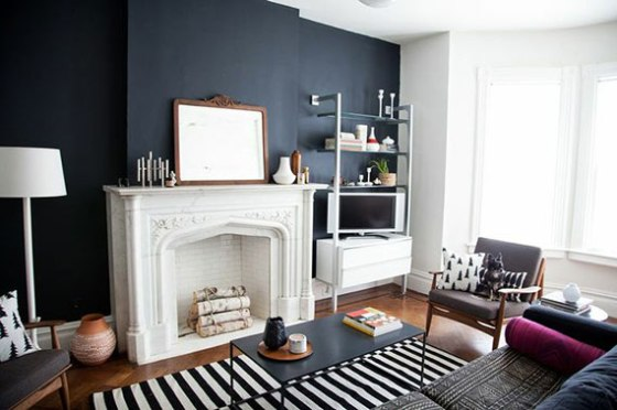 dark-walls-in-living-room
